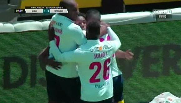LDU vs. Emelec EN VIVO: así fue el gol de Anderson Julio para el 1-0 para los albos. (Foto: Captura de pantalla)