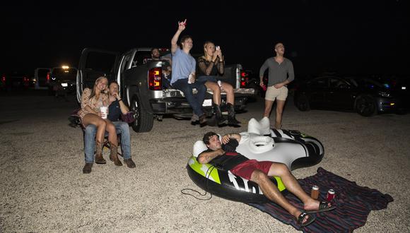 Imagen referencial: una reunión de jóvenes en Texas, Estados Unidos. (Foto: AFP)