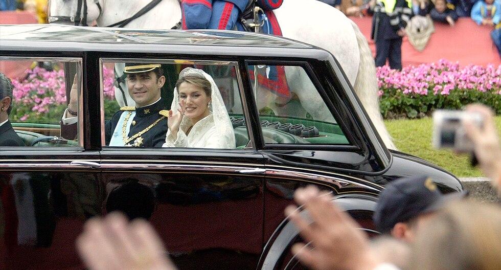 La boda real entre el entonces príncipe Felipe de Borbón y Letizia Ortiz se celebró en la catedral de la Almudena de Madrid el 22 de mayo de 2004. (AFP)