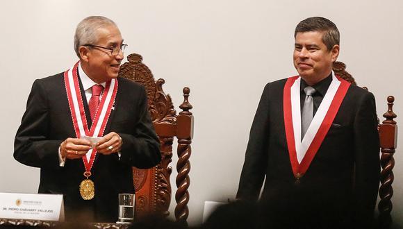 El legislador acudió a la ceremonia de juramentación de Pedro Chávarry como fiscal de la Nación. (Foto: Paco Sanseviero / El Comercio)