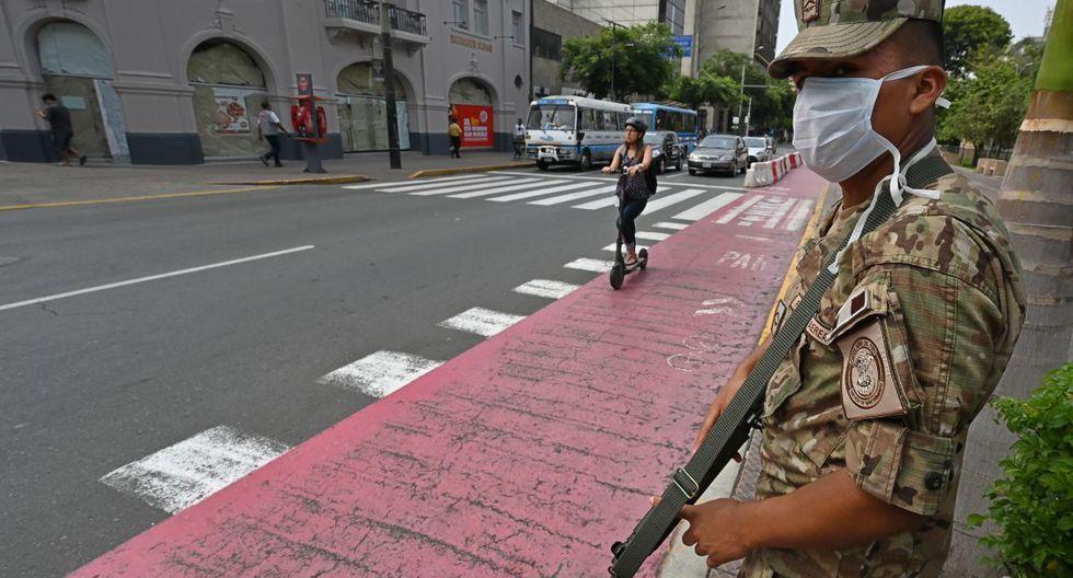 El Ejecutivo ordenó el estado de emergencia nacional que imposibilita el libre tránsito por territorio peruano. Para muchas familias, esto ha significado perder sus fuentes de ingresos (Foto: AFP)