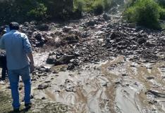 Huancavelica:desborde de laguna bloquea vía Lircay - Huayllay Grande
