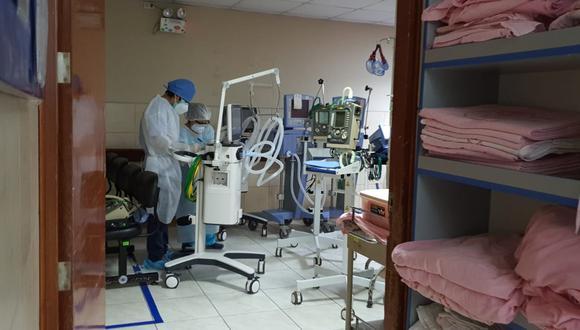 Once ventiladores mecánicos fueron retirados del Dos de Mayo en la noche del martes. Los enviaron al hospital Hipólito Unanue y el de Villa El Salvador.