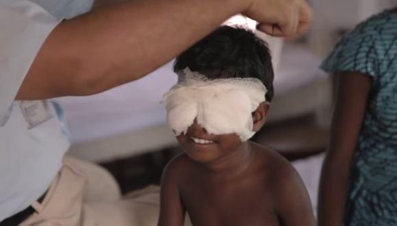 India: la reacción de hermanas ciegas al ver por primera vez