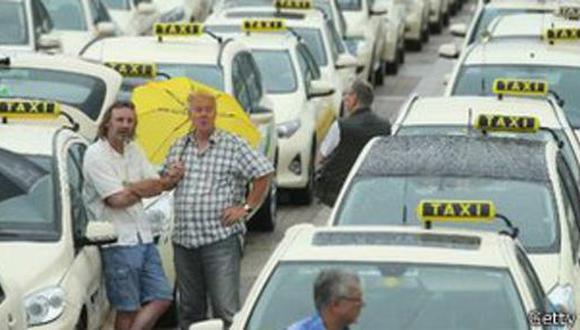 Alemania prohibe el servicio de taxis Uber