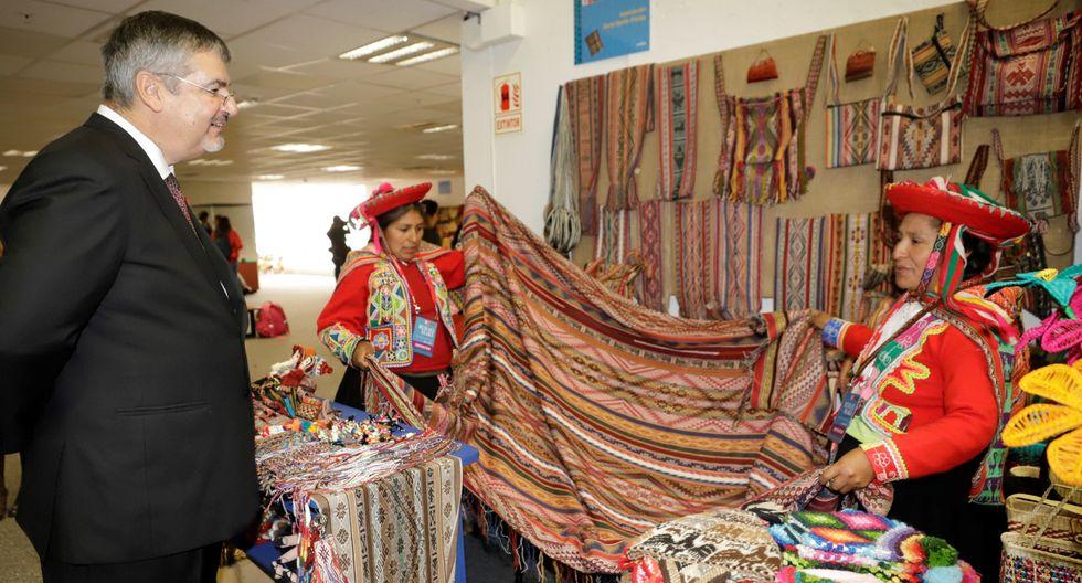 El ministro de Cultura, Luis Jaime Castillo, durante la inauguración de la edición 13 de Ruraq Maki.