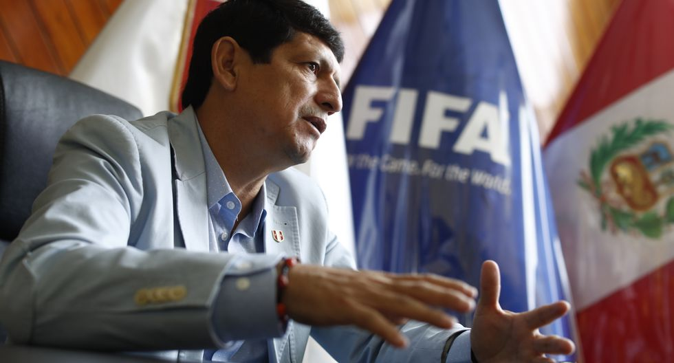 Agustín Lozano asumió la presidencia de la FPF en diciembre del año pasado luego de los problemas judiciales de Edwin Oviedo. (Foto: César Campos / GEC)