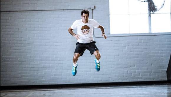 Federer compartió fotos de entrenamiento con camiseta de emoji