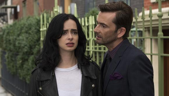 Krysten Ritter, protagonista de la serie de Netflix, quien da vida a la alcohólica Jessica Jones. A la derecha David Tennant como el maniático Kilgrave. (Foto: Difusión)