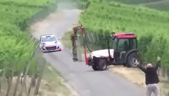 YouTube: Neuville estuvo cerca de chocar con un tractor