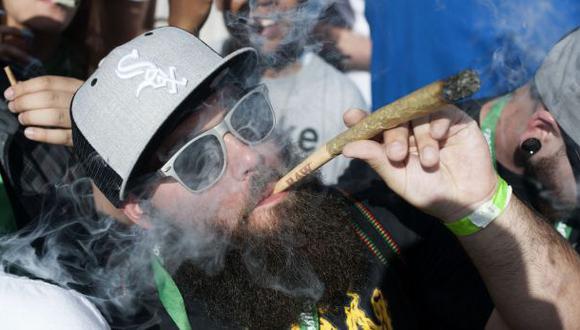 EE.UU.: Se podrá fumar marihuana en bares de Denver
