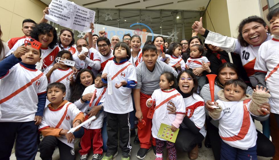 Niños internados en el INSN de San Borja alentaron a la selección peruana que este domingo juega la final de la Copa América ante Brasil. (Foto: Difusión)