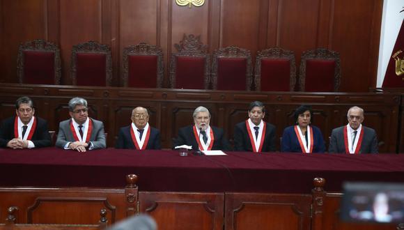 Seis de los siete miembros del Tribunal Constitucional tienen el mandato vencido. (Foto: GEC)