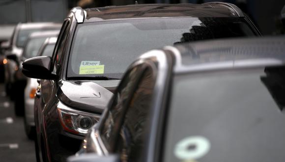 El reporte también señaló que los tiempos de viaje calculados por las empresas privadas de servicio compartido no fueron confiables, lo que afectó la hora de salida y llegada de los usuarios. (Foto: AFP)