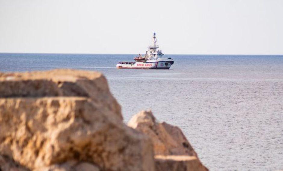 El Open Arms lleva desde el 1 de agosto a la espera de desembarcar en un puerto seguro. Foto: Getty images, vía BBC Mundo