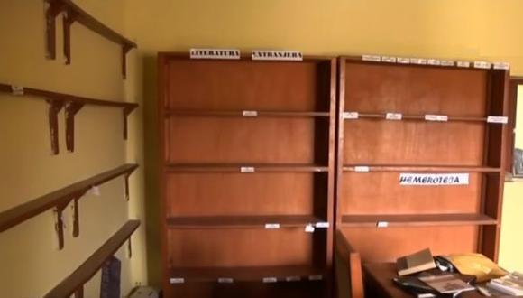 Los libros habían sido donados por vecinos del distrito, a partir de una iniciativa privada del año 2012. La población rechazó el desabastecimiento de estos dos centros culturales (Foto: Carlos Chunga)