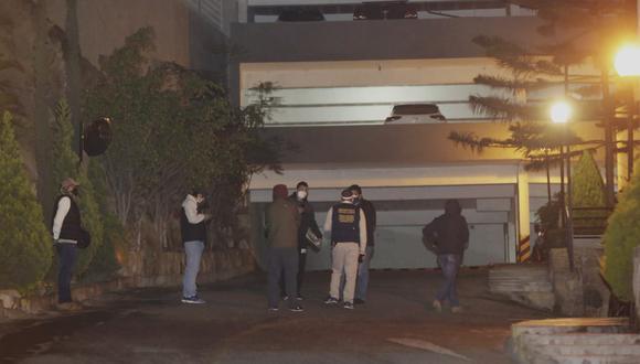 Allanan viviendas de policías presuntamente vinculados a compras irregulares durante la pandemia del COVID-19 (César Grados/GEC)