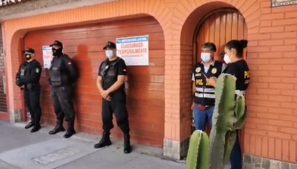 Clausuran vivienda y multan a propietarios que almacenaban concentradores de oxígeno en San Miguel. (Foto: Captura TV)