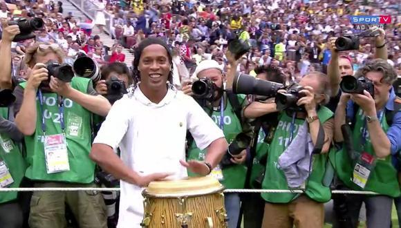 La ceremonia de clausura del Mundial Rusia 2018 se llevaró a cabo esta mañana en el Estadio Luzhniki. La aparición de Ronaldinho tocando los tambores al lado de la soprano Aida Garifullina fue el momento más especial de la fiesta. (Foto: captura de pantalla)