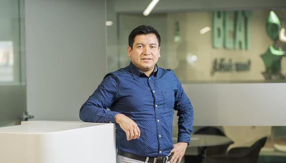 Juan Abanto aprovecha hasta su tiempo libre. Gracias a la app BeatConductor tiene un ingreso extra para pagar su MBA.