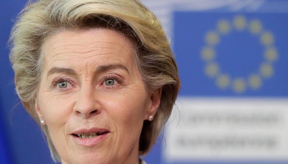 La presidenta de la Comisión Europea, Ursula Von Der Leyen, da una conferencia de prensa en Bruselas el 15 de junio de 2021. (Foto de STEPHANIE LECOCQ / POOL / AFP).