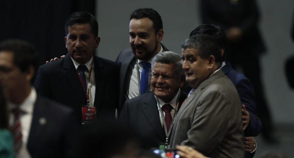 César Acuña también estuvo presente en la entrega de credenciales a sus congresistas electos de Alianza para el Progreso. (Foto: César Campos / GEC)