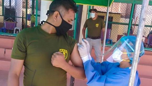 Según el sector Salud, a la fecha ya se inmunizó al personal penitenciario de Callao, Lima Región, Loreto y Moquegua. (Foto: gob.pe)