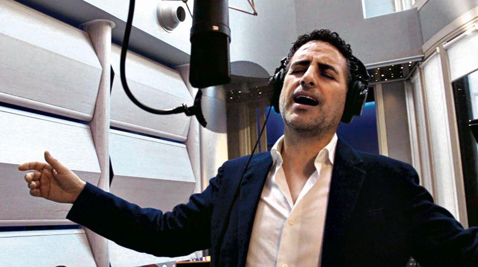 """Juan Diego Flores grabó """"Callecita encendida"""" para el homenaje."""