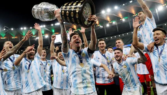 Argentina logró alzar el título de la Copa América, 28 años después. Así, cortó una mala racha de 4 finales perdidas del certamen continental. | Foto: Reuters