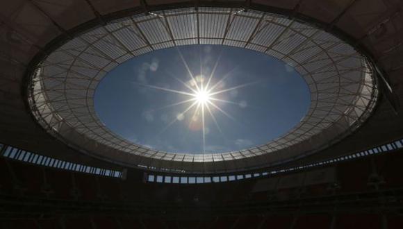 ¿Y si jugamos al fútbol?, por Rolando Arellano C.