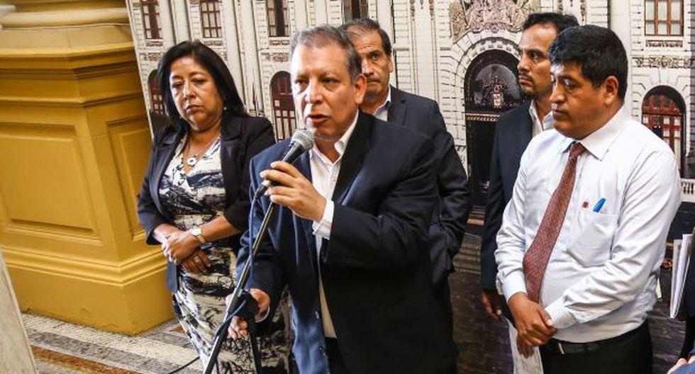 """Frente Amplio denuncia """"persecución"""" de Fuerza Popular y Apra"""