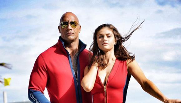 """""""Baywatch"""": La Roca y Alexandra Daddario posan caracterizados"""