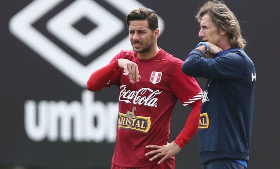"""Ricardo Gareca sobre Claudio Pizarro: """"A sus 40 años, tengo que ver su actualidad"""". (Foto: AFP)"""