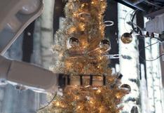 Robots decoran árbol navideño y ofrecen espectáculo festivo en Estados Unidos | VIDEO