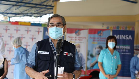 Ministro de Salud, Óscar Ugarte, se pronunció sobre la polémica por la irregular vacunación de la excanciller Elizabeth Astete | Foto: Britanie Arroyo / @photo.gec