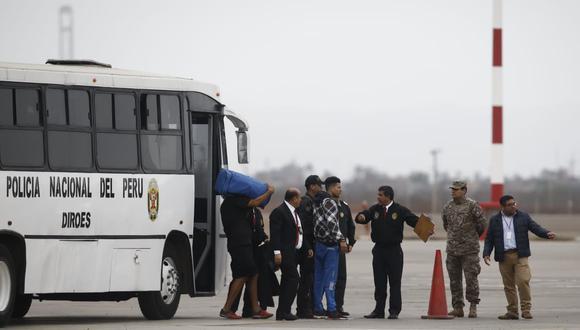 Un total de 45 extranjeros, entre 36 varones y 9 mujeres, fueron expulsados esta tarde del país. (Foto: GEC)