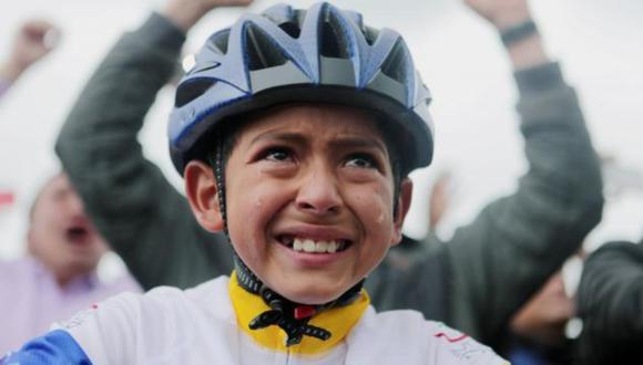 El rostro del menor se hizo viral en Colombia hace dos años cuando celebró entre lágrimas el triunfo de Bernal en el Tour de Francia de 2019, por lo que su muerte ha causado gran conmoción en el país. (Foto: redes sociales)