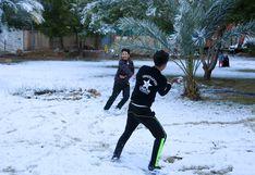 Inusual nevada en Irak: Las calles de Bagdad despiertan bajo un manto blanco | FOTOS Y VIDEO