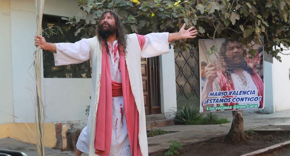 Realizó, disfrazado de Jesucristo, unas oraciones. (Foto: Lino Chipana/GEC)