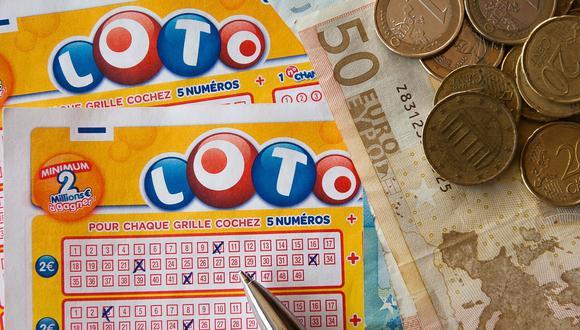 El sujeto de 62 años se emocionó al ver que había ganado 10 dólares cuando raspó la cartilla del Triple 7 de la Lotería de Michigan. (Foto: Pixabay/ Referencial)