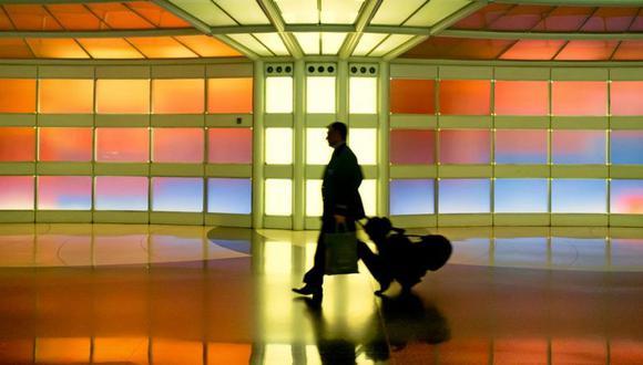 Se le ha prohibido la entrada al aeropuerto y debe pagar US$1.000 de fianza. (GETTY IMAGES)
