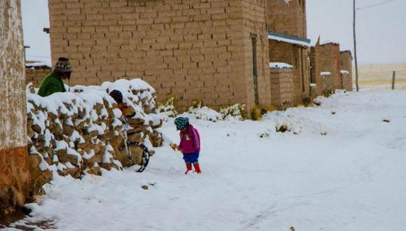 Suspenden clases en distritos de Puno y Apurímac por nevadas y heladas