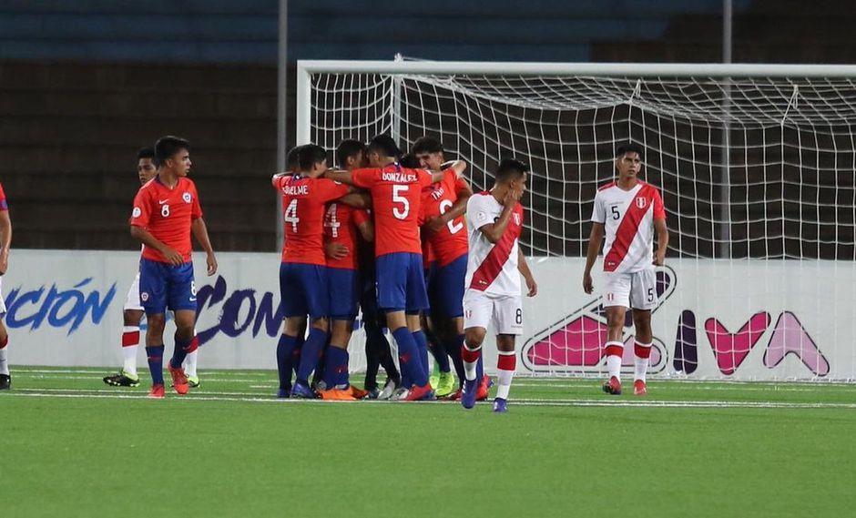 Los goles de Celi (54') y Racchumick (57') no le alcalzaron a Perú que perdió 3-2 ante Chile y terminó con su invicto en el Sudamericano Sub 17. (Foto: Twitter Sudamericano Sub 17)