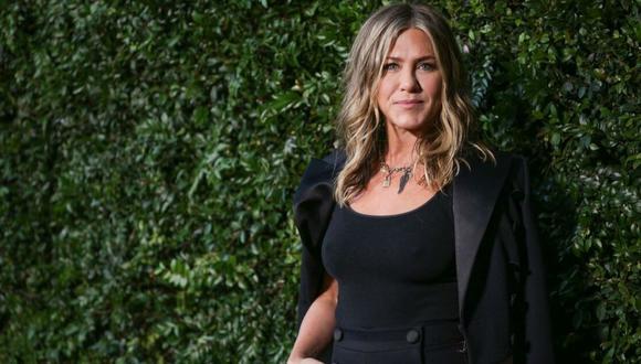 La fórmula secreta de Aniston es mezclar limón y agua de mar. (Foto: AFP)