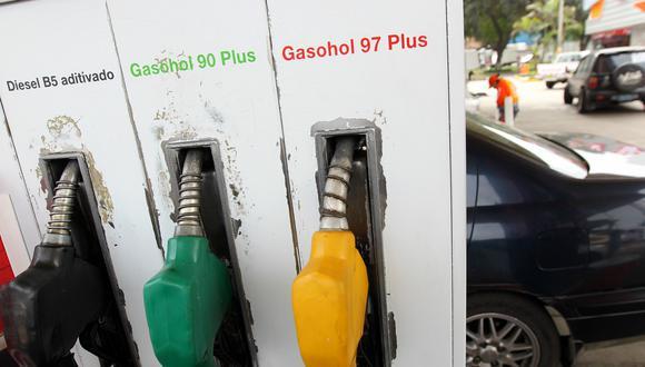 Los precios del combustible bajaron, según Opecu. (Foto: GEC)