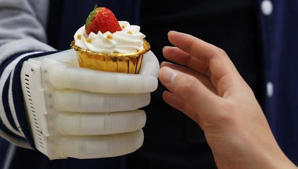 El prototipo de prótesis de mano del MIT apela a un diseño flexible e inflable, de fácil uso y costo accesible, a diferencia de los modelos rígidos creados con motores eléctricos