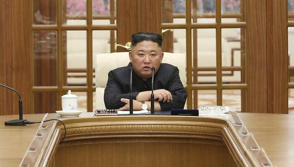 Kim Jong-un ha presidido una reunión de su partido gobernante en su primera aparición pública en aproximadamente un mes, y pidió una conferencia política más amplia para discutir los esfuerzos para salvar una economía en decadencia. (Foto: Agencia Central de Noticias de Corea / Servicio de Noticias de Corea a través de AP)