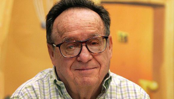 """El actor Roberto Gómez Bolaños más conocido como Chespirito, fue el creador de personajes entrañables como """"El Chavo del 8"""" y """"El Chapulín Colorado"""". N esta imagen está posando para fotógrafos durante el lanzamiento de """"El Chavo-La serie animada"""" en 2006 (Foto: Luis Acosta / AFP)"""