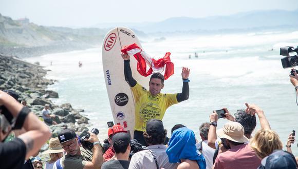El tablista peruano Benoit Clemente logró el título mundial ISA de longboard en Francia. María Fernanda Reyes y Lucas Garrido Lecca fueron sextos. (Foto: ISA)