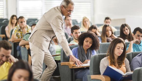 Según el estudio de la FED, aún sigue siendo una buena inversión estudiar una carrera universitaria